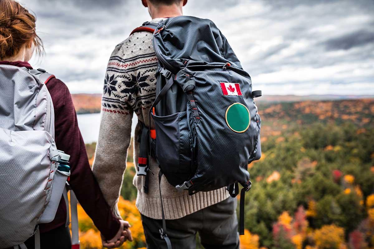 Image de l'article : Que mettre dans sa valise pour un voyage au Canada ? - Esprit Pionnier