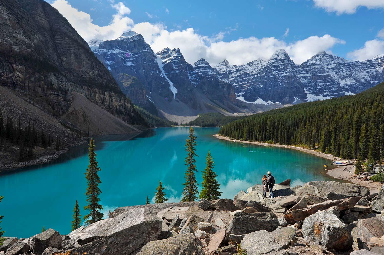 Image de l'article : Une lune de miel en pleine nature dans l'Ouest canadien - Esprit Pionnier