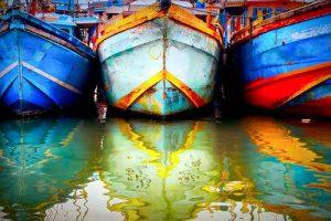 Bateaux colorés port Tangalle