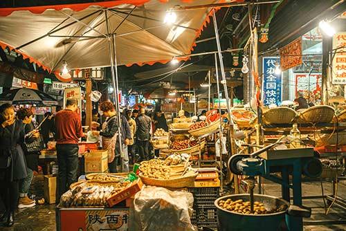Image de l'article : À la découverte de la street food en Chine - Esprit Pionnier